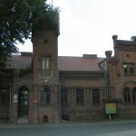 Neogotycki pałac myśliwski w Brzezinach
