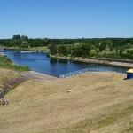 Zapora wodna i elektrownia w Skęczniewie nad Jeziorskiem