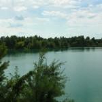 Turkusowe jezioro Wapienniki koło Sulejowa